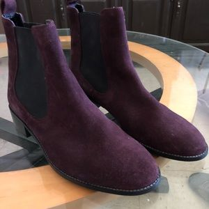 COPY - NWT  Chelsea boots